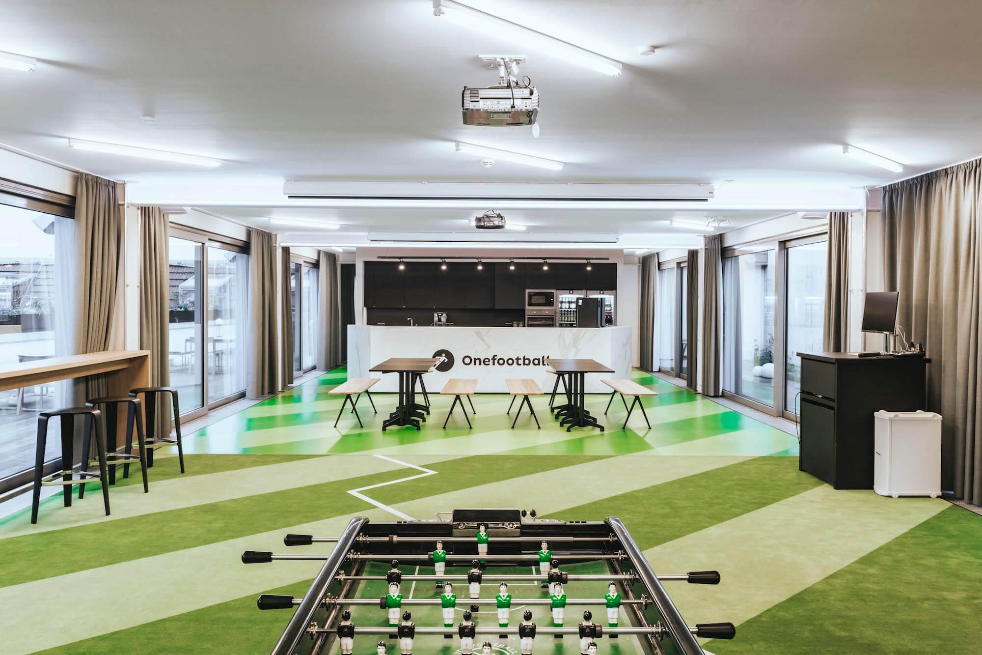 Onefootball Startup Büro TKEZ Architekten New Work Kicker Kunstrasen