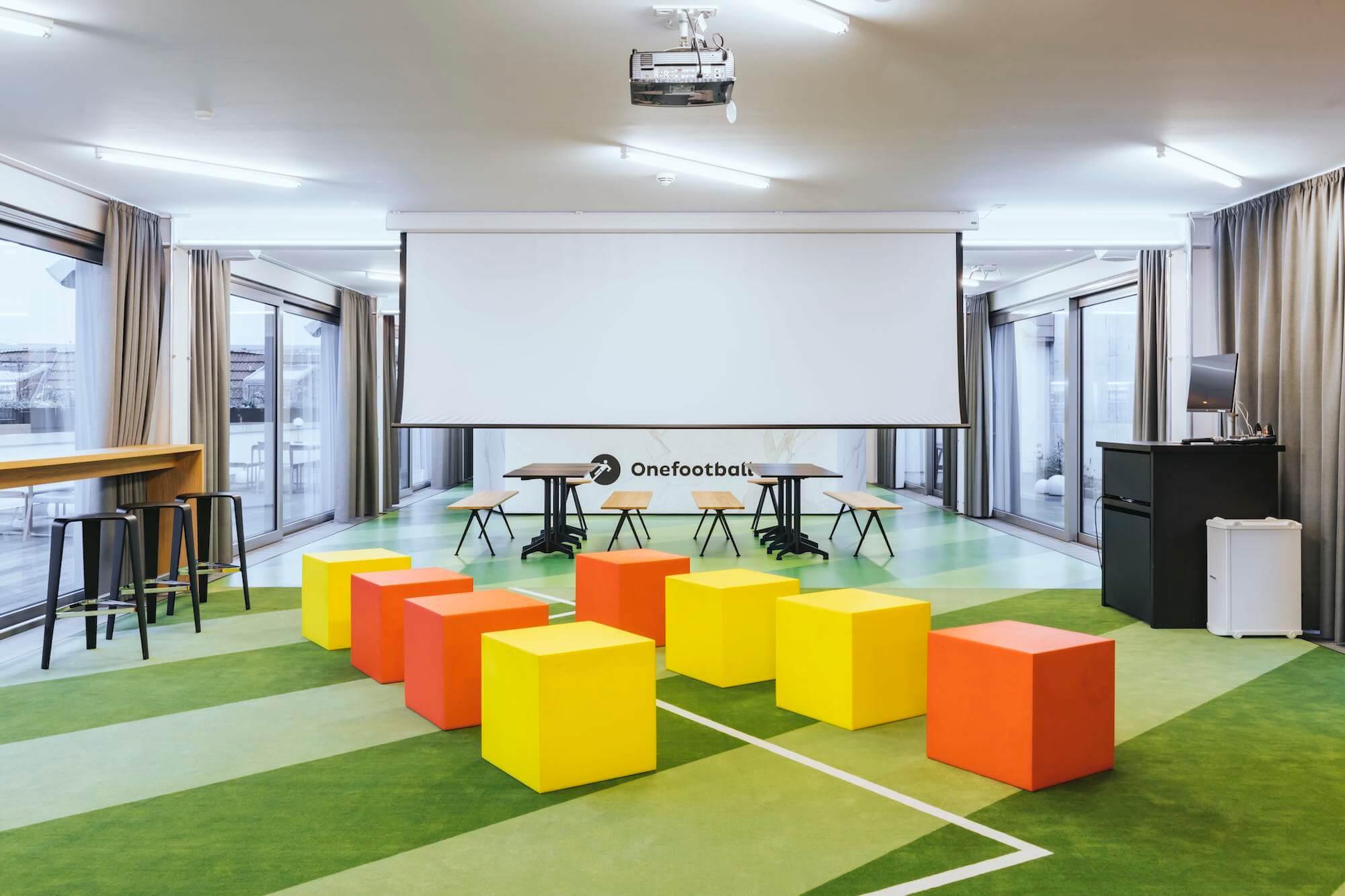 Onefootball Startup Büro TKEZ Architekten New Work Präsentation
