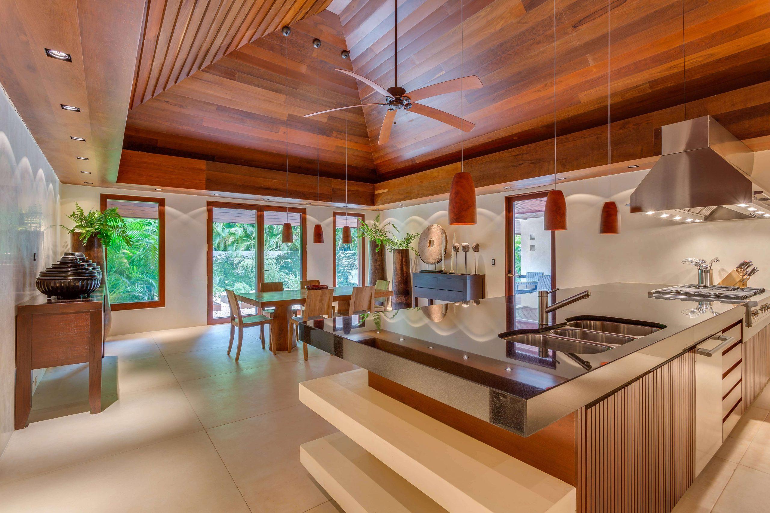 Exklusive Wohnresidenz Architekturbüro TKEZ Architekten exklusive Küche