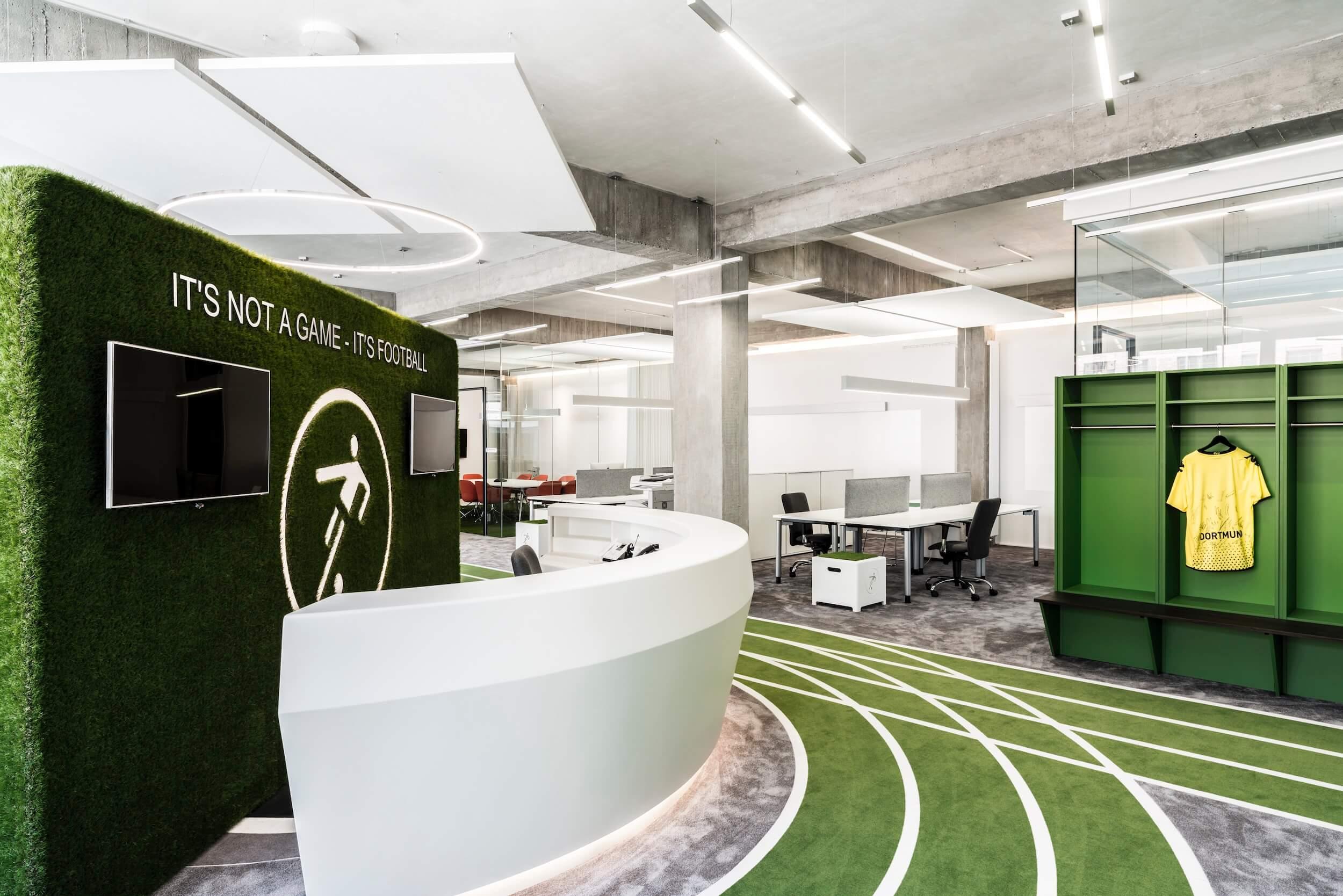 Startup Onefootball Office Design TKEZ Architekten Eingang Sportbahn