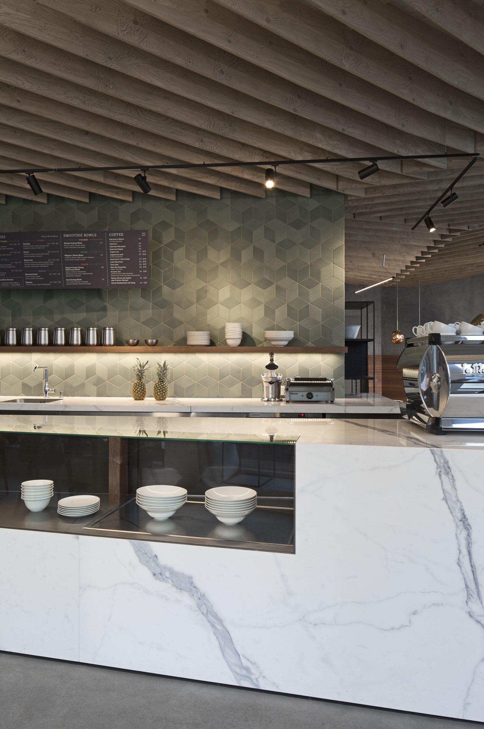 Inneneinrichtung Café Wagners München TKEZ Architekturbüro Empfangsbereich
