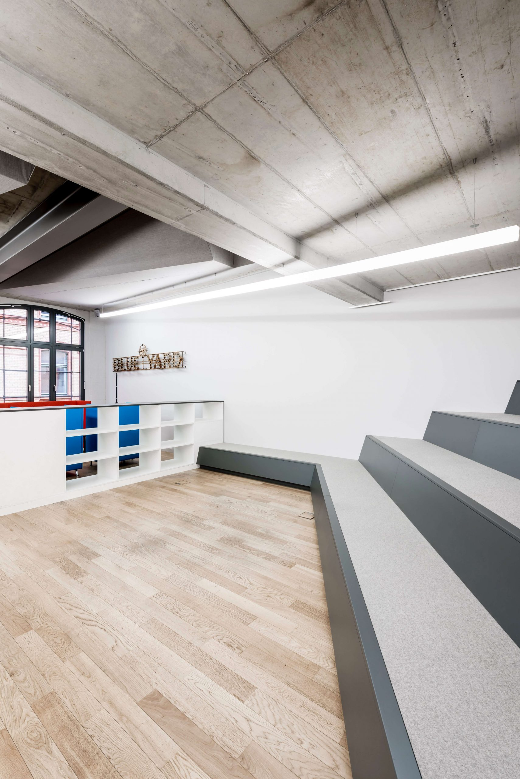 Workspace Design Blue Yard Berlin TKEZ Architekten Sitzbank