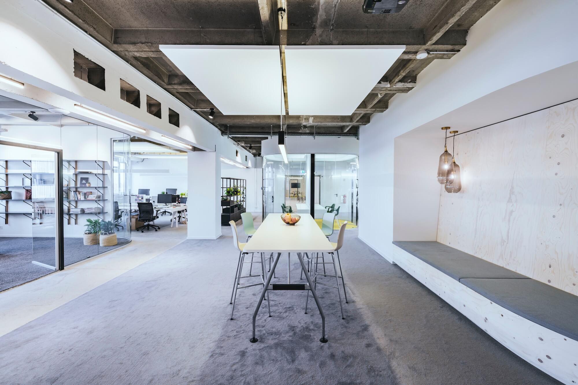 Open Space Büro Startup Kitchen Stories Architekturbüro TKEZ Office Design